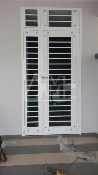 Powder Coated Metal Door 028