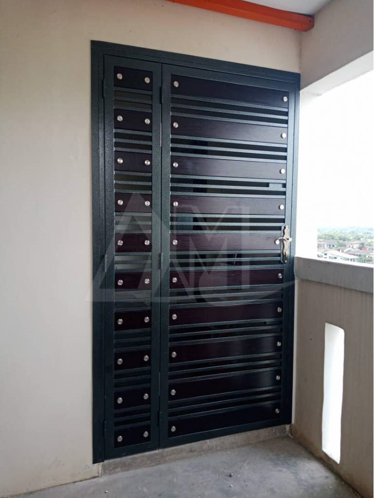 Powder Coated Metal Door 037