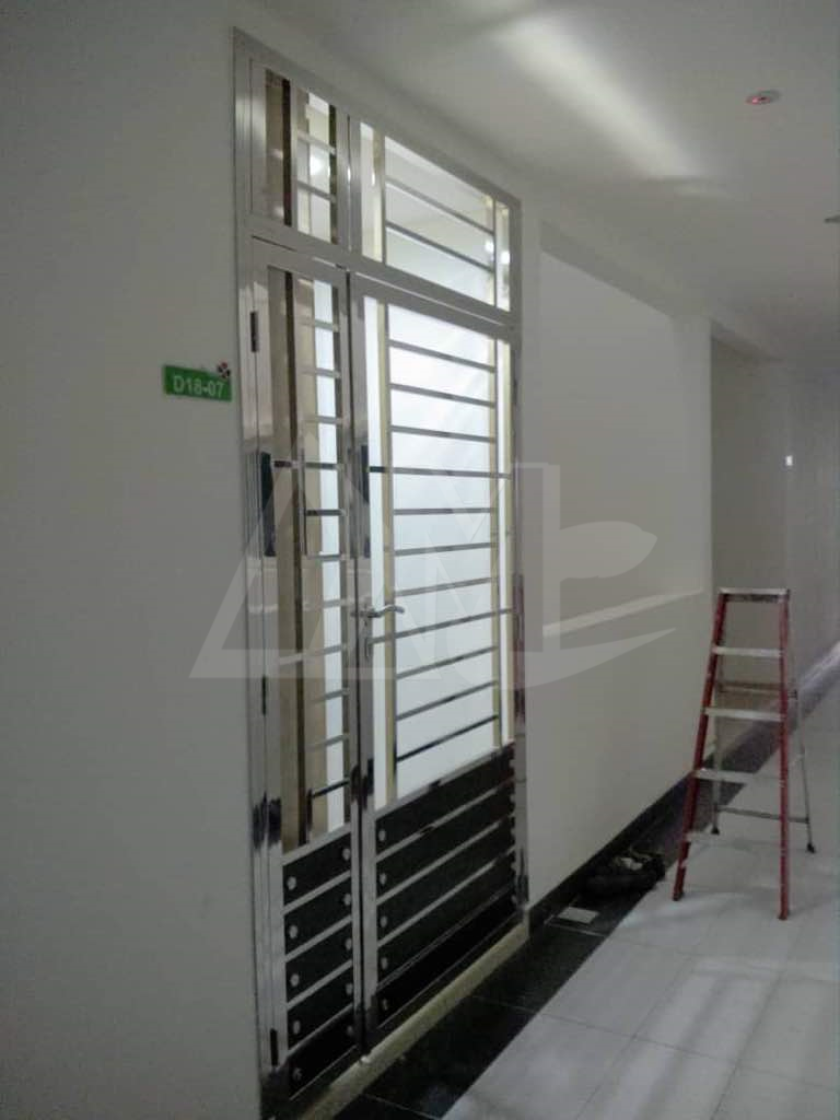 Stainless Steel Door 041