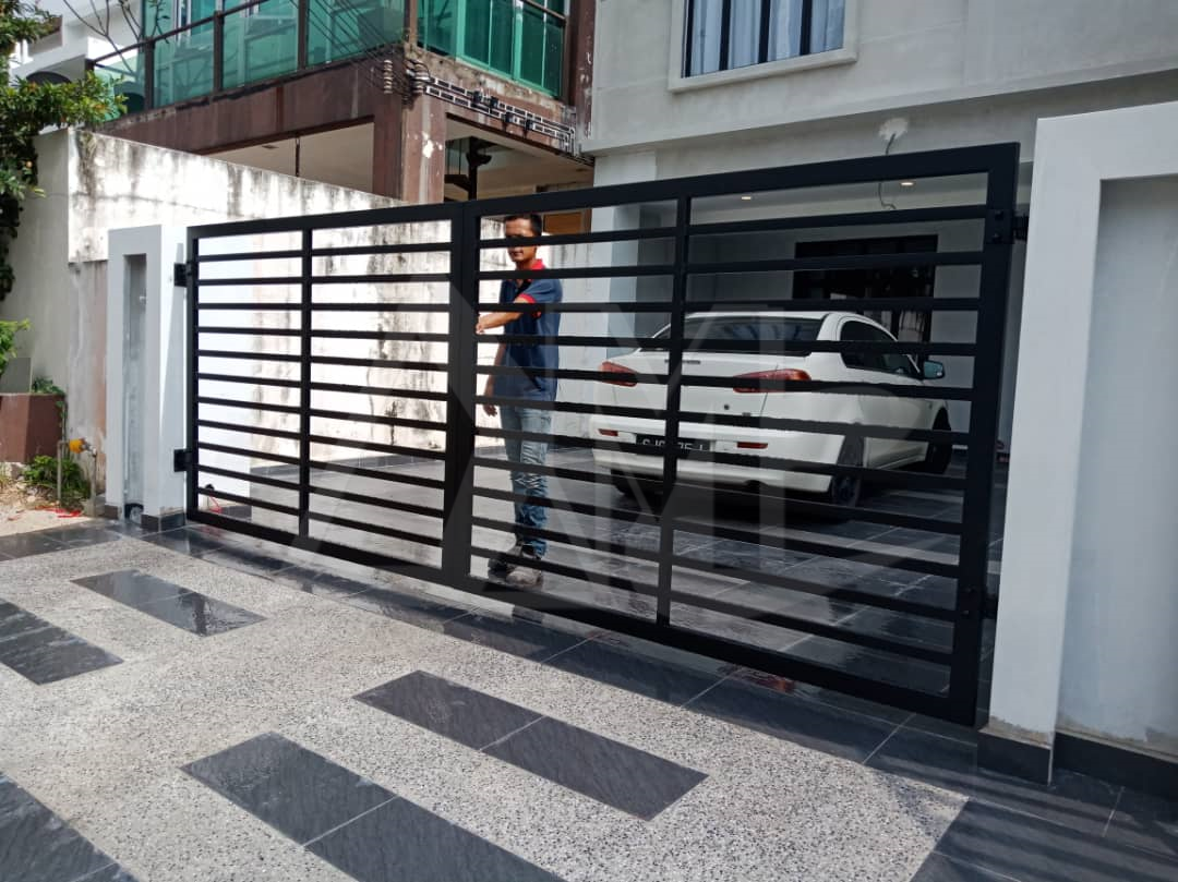 Powder Coated Metal Gates 018