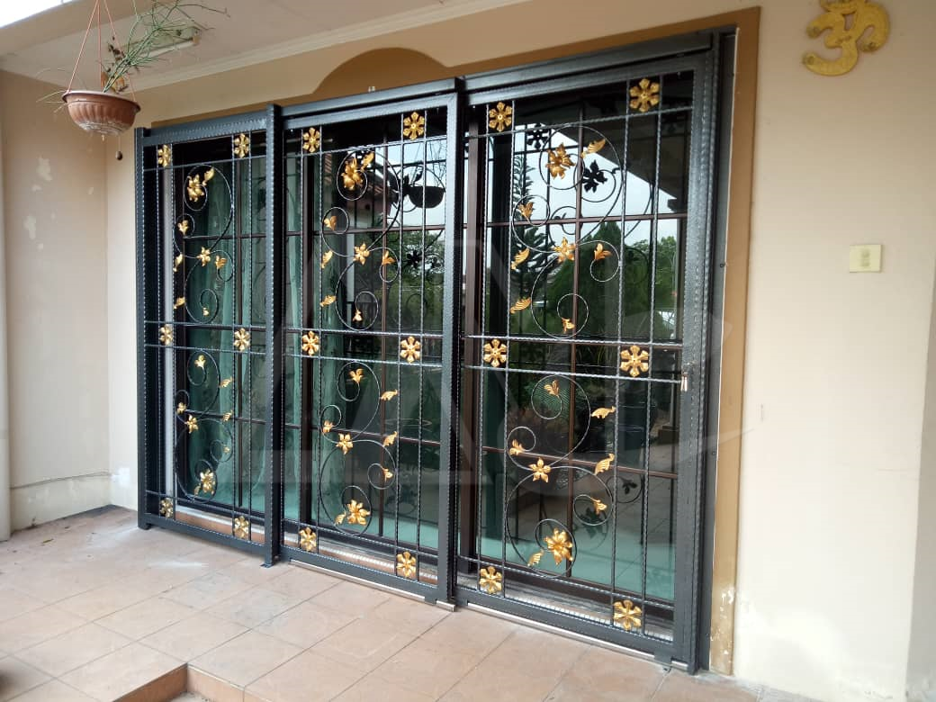 Powder Coated Metal Door 048