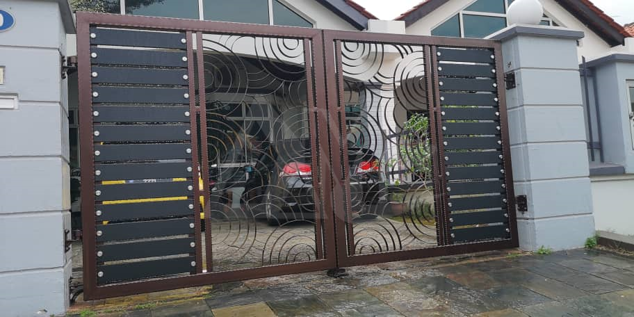 Powder Coated Metal Gates 001