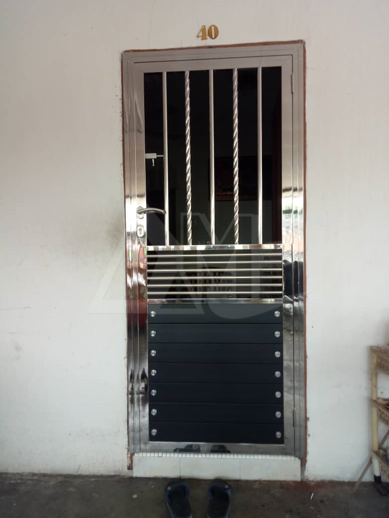 Stainless Steel Door 046